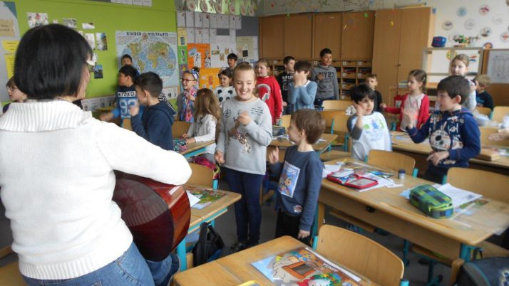 Besuch der Kindergartenkinder in den 3. Klassen